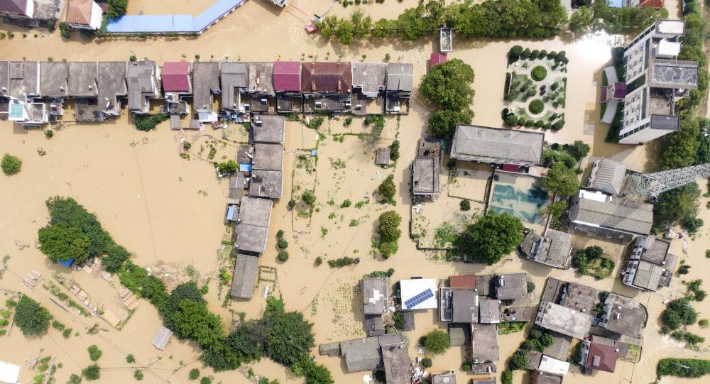 河南巩义发生严重洪灾 造成至少4人死亡