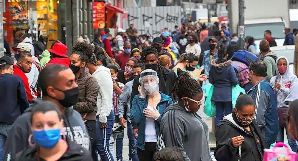 巴西累计新冠病毒感染病例超600万例