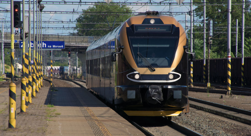捷克两列火车相撞造成两人死亡38人受伤