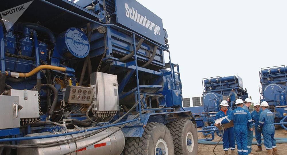 Das internationale Ölfeldserviceunternehmen Schlumberger führt geologische Untersuchungen durch (Archivbild)