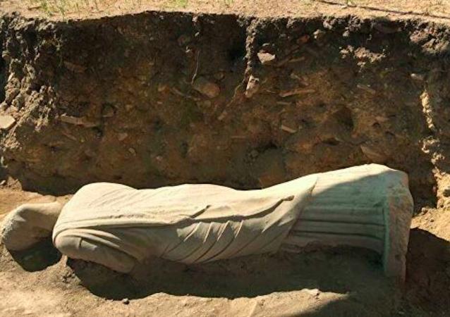 土耳其考古學家發現1700年前雕像