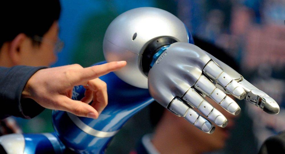 「百人長」未來戰士作戰裝備中或將引入人工智能技術