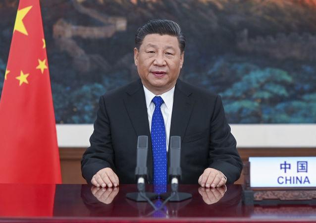 中国国家主席习近平表示,俄方认真履行主席国职责,克服新冠肺炎疫情影响,推动上合组织保持良好发展势头,中方对此高度评价