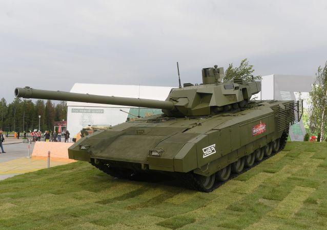 """T-14 """"阿玛塔""""坦克"""