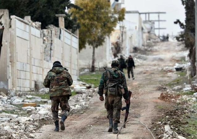 敘軍「伊斯蘭國獵人」特種兵在敘利亞進行摧毀假想恐怖分子基地的演習