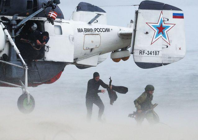 俄空降人员测试一款可用于在夜间和不良天气情况下准确着陆的导航仪