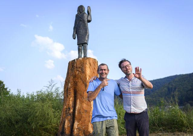 斯洛文尼亚在梅拉尼娅雕像烧毁处立起新雕像