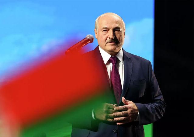俄罗斯和中国在白俄困难时期给予了切实帮助