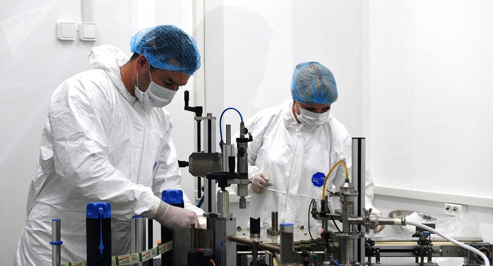 """俄研发人员:""""矢量""""中心正在进行三次注册EpiVacCorona疫苗的测试"""