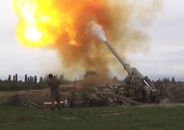 亚美尼亚国防部称阿塞拜疆攻击亚境内军事装备