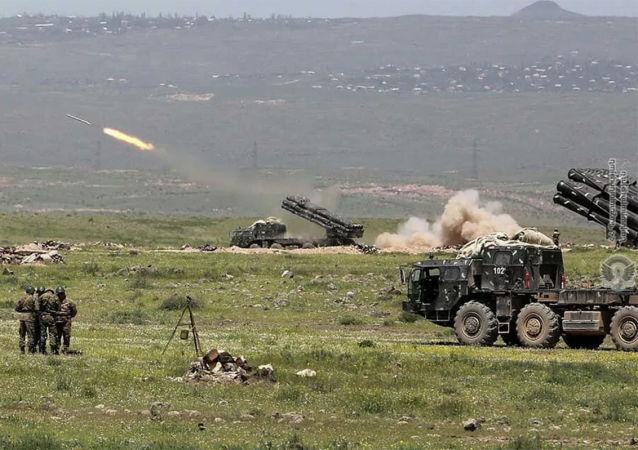 亞美尼亞國防部:納卡地區部隊摧毀阿塞拜疆一大型燃料和潤滑油庫