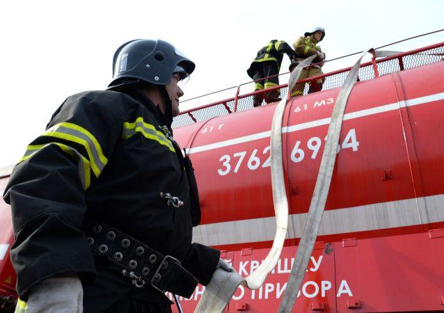 670多人在下諾夫哥羅德中學教室火災後被疏散