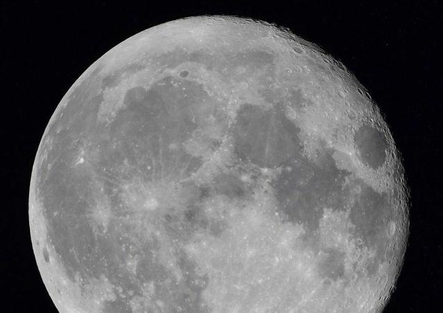 俄学家:俄罗斯希望获得中国取回的月壤样本