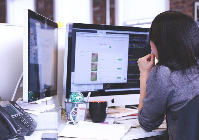 中国网民规模超过10亿,互联网为经济发展注入强大动能