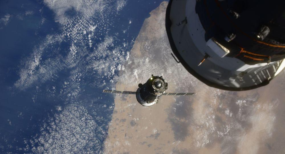"""俄""""联盟 MS-17""""号飞船创下与国际空间站快速交会对接最短时间记录"""