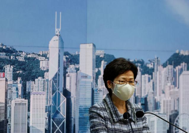 推迟发表《施政报告》以寻求恢复香港经济的最佳途径
