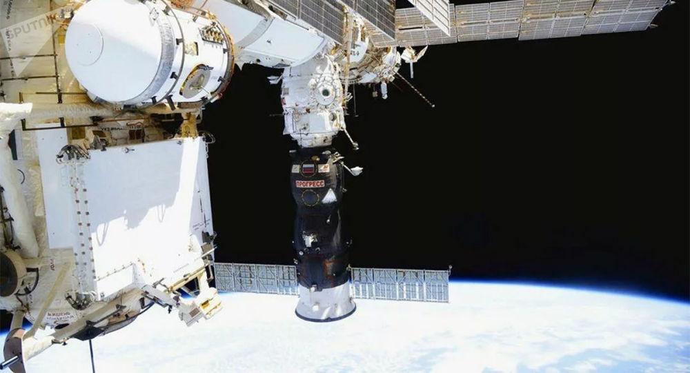 """NASA可能为宇航员飞往国际空间站再订一个""""联盟""""号座位"""