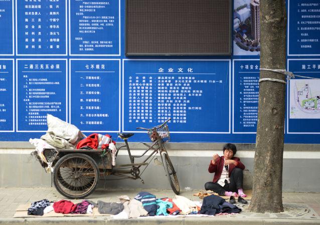 中国面临新的环境问题——处理2600万吨废弃衣物