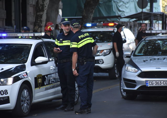 媒體:第比利斯一名男子在內務部大樓前自焚
