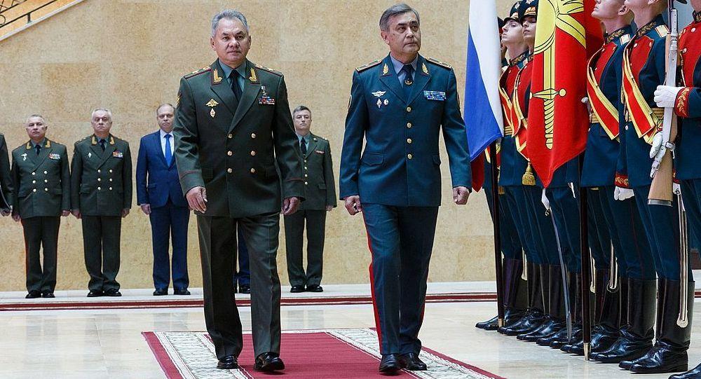 俄罗斯国防部长绍伊古与哈萨克斯坦国防部长叶尔梅克巴耶夫