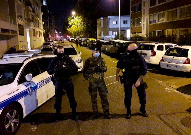 媒体:里昂袭击神父案凶嫌被逮捕