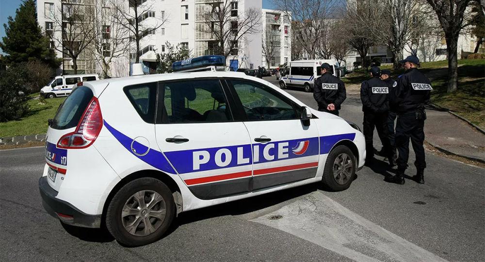 媒體:法國里爾一所學校接到匿名炸彈電話後進行疏散