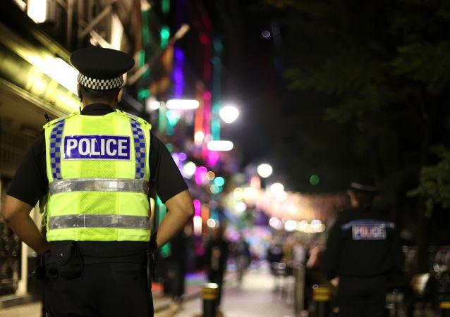 """英国男子因向邻居吹《巴布工程师》旋律口哨而被警方记录为""""种族仇恨"""""""