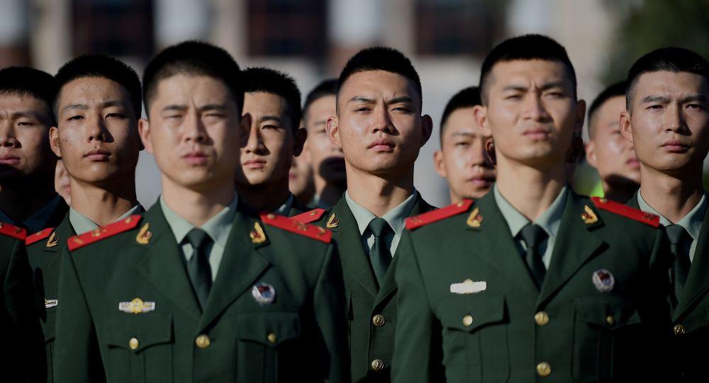 中国中部战区派出3200余人紧急投入河南抢险救援