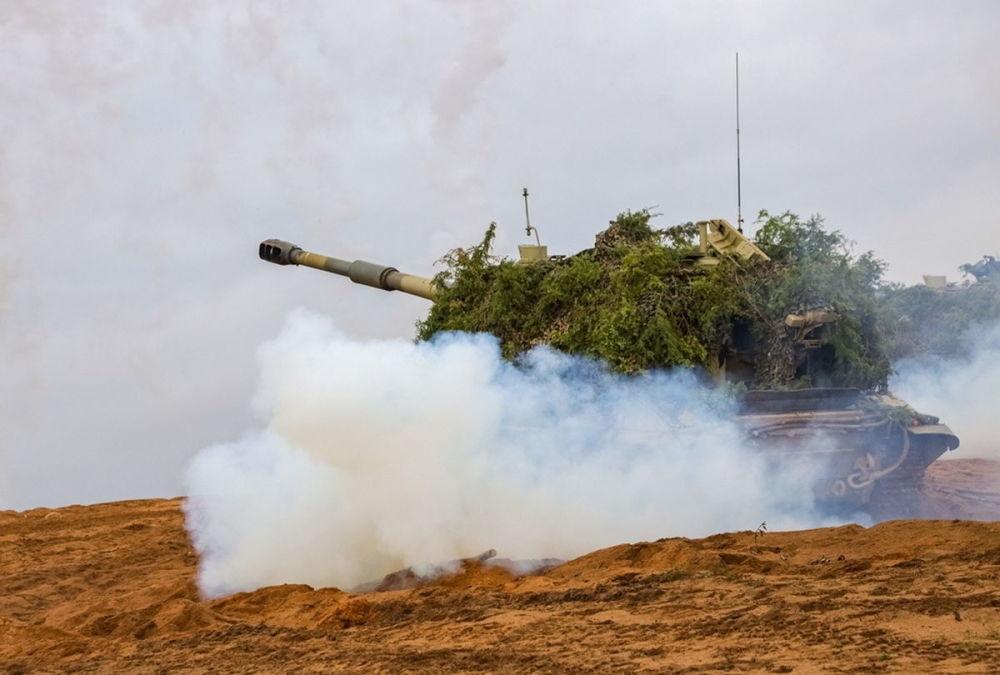 俄羅斯軍隊慶祝導彈部隊和炮兵日
