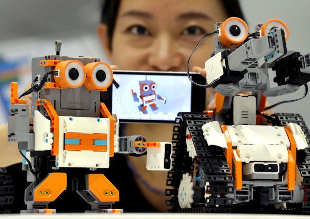 专家:俄机器人发展水平落后5-7年 专业化企业是中国的五分之一