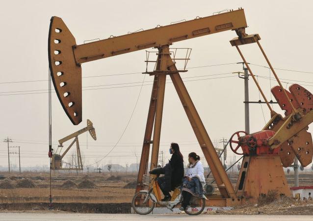 中国统计局:7月份中国进口天然气同比增长27.0% 进口原油同比下降19.6%