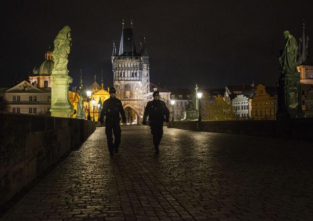 捷克公民2月25日起须佩戴FFP2类别口罩或两层医用口罩