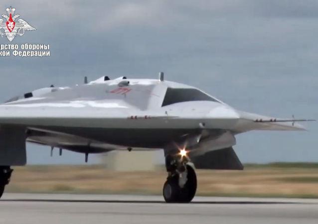 """美国讲述俄罗斯""""猎人""""无人机将如何让北约""""出一身汗"""""""