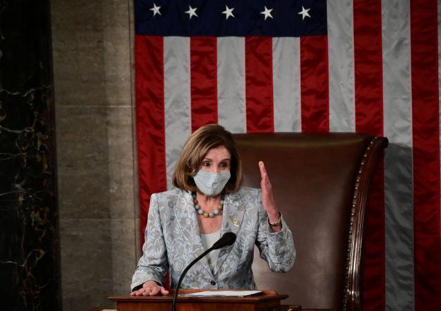 美众议院议长宣布选举认证工作将于7日恢复