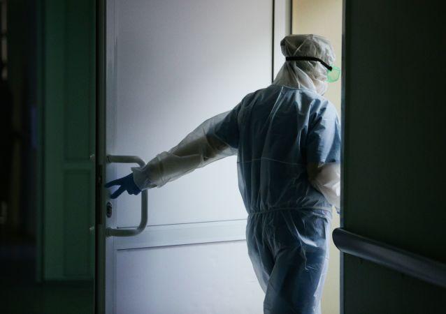 俄防疫指揮部:俄單日新增新冠病毒感染病例25142例 累計超561萬例