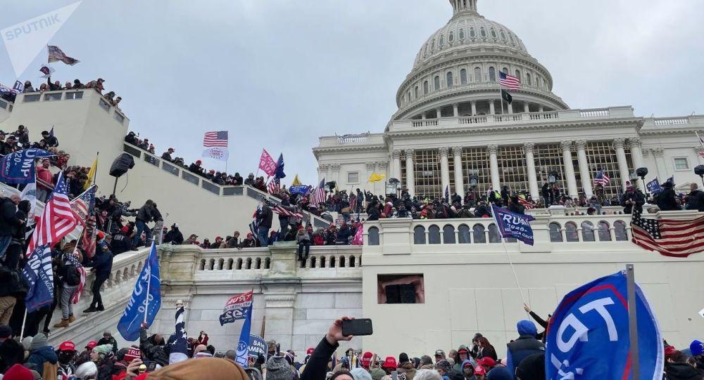 拜登称美国会大厦遭冲击为骚乱事件