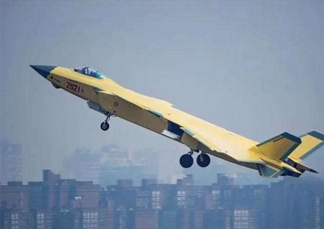 中国人民空军多支英雄部队列装歼-20战机