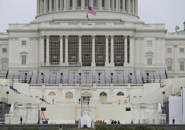 一名可接触机密信息的美国人被控袭击国会大厦