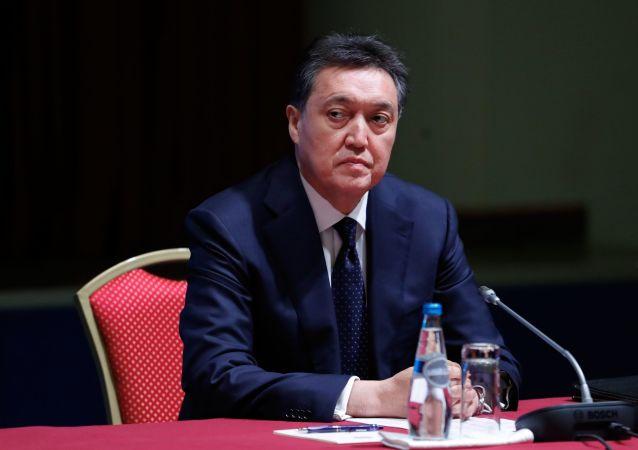 哈薩克斯坦總理接種本國企業生產的俄新冠疫苗「衛星V」