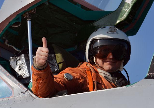 """米格-31在俄边境附近""""迎接""""挪威空军侦察机"""