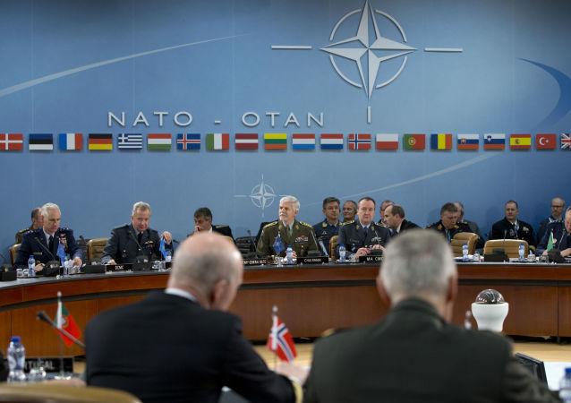 专家:俄罗斯将在传统和非传统安全领域与北约进行全面对抗