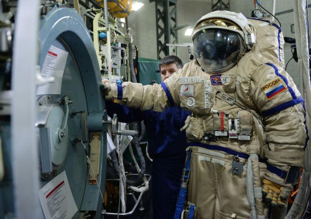 俄航天集團將於近期宣佈招標研制月球專用密閉飛行服