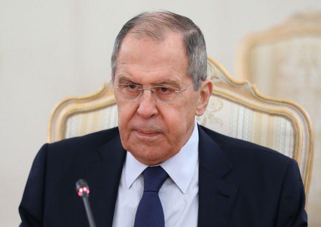 俄外交部:美国对基辅的积极军事支持严峻挑战俄安全