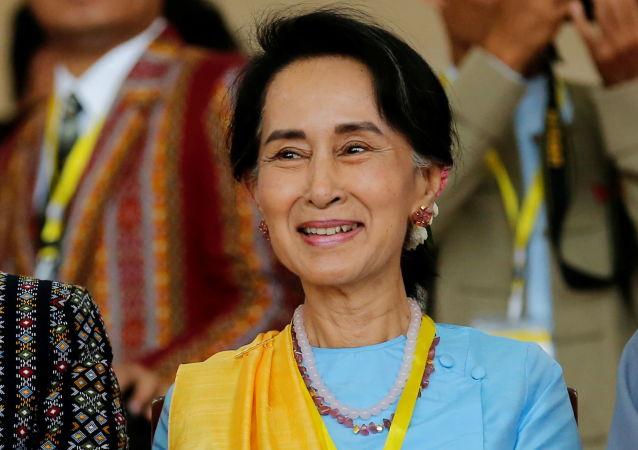 缅甸前国务资政昂山素季首次亲自出庭