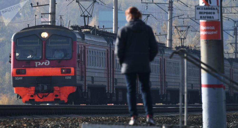俄罗斯宣传列车将巡回全俄50多座城市宣传军队的性质和宗旨