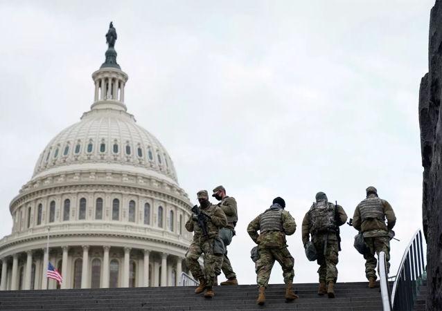 """媒体:美国国会大厦附近事件嫌疑人是""""伊斯兰民族""""的追随者"""