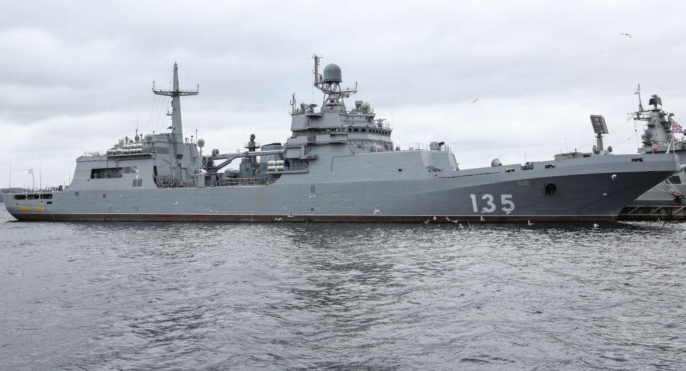 """11711型的""""伊万∙格伦""""号大型登陆舰"""