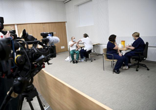 芬兰开始对12-15岁的青少年进行新冠疫苗接种