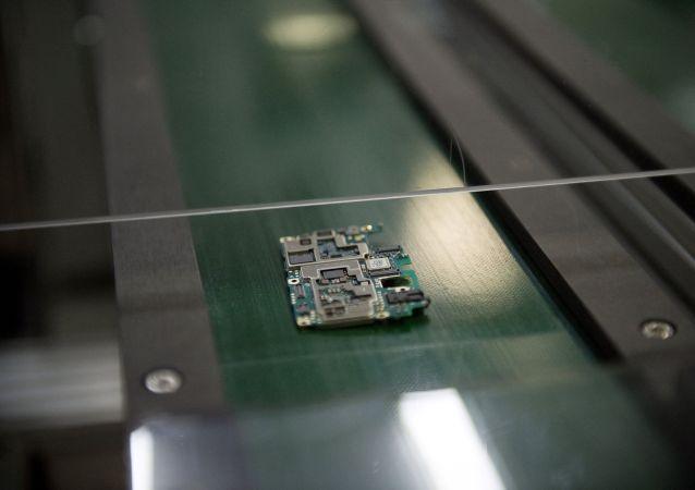 专家:明年俄罗斯或出现第一批被植入芯片的人
