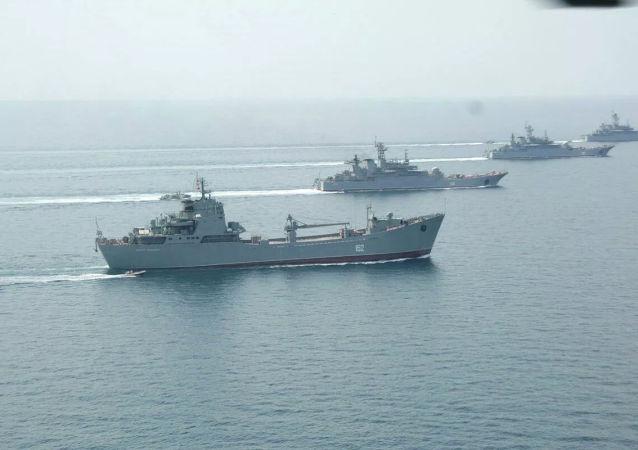俄羅斯戰艦編隊游弋黑海演練火炮實彈射擊